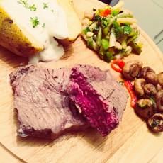 Roastbeef an Bohnensalat, Ofenkartoffel und Champions