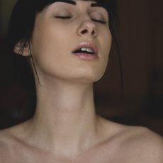Yoni-Massage gegen Entgelt seit 2018 verboten! Transformation durch Körperarbeit außerhalb des Prostitutionsgesetzes